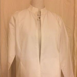 Eileen Fisher White cotton jacket.